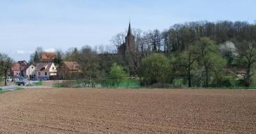 Vue vers l'église protestante